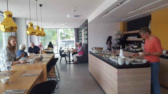 Landau in der Pfalz, Germania: Frukostmatsalen