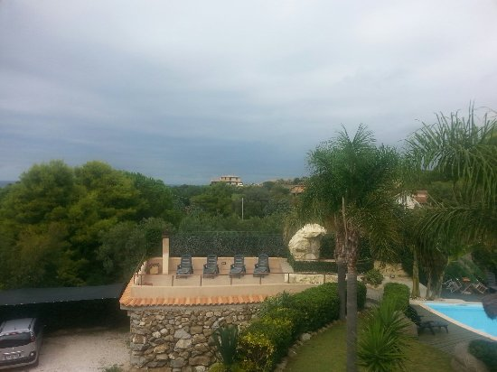 L'Arcobaleno Resort: 20160917_150431_large.jpg
