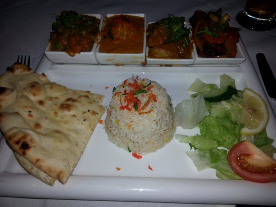 Newton Aycliffe, UK: Tuesday night offer, rice, two meat dishes, bombay pots, nan bread plus starter
