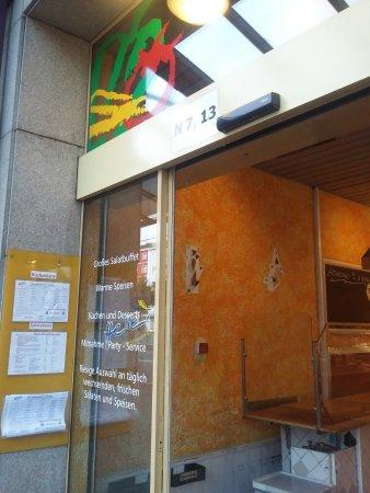 Heller's Vegetarisches Restaurant & Cafe: von außen