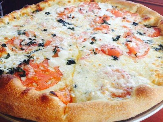 Kingston, MA: White Margarita Pizza