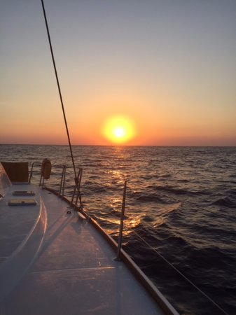 Santorini Sailing: Amazing way to watch the sunset