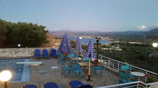Exopoli, Grecia: 20160921_194205_large.jpg
