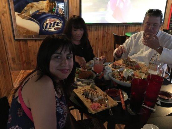 Hammerhead Bar & Grill: photo3.jpg