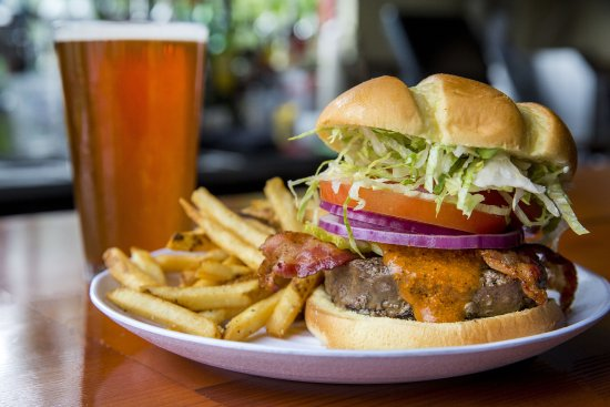 Kirkland, WA: Back Fire Burger and Beer