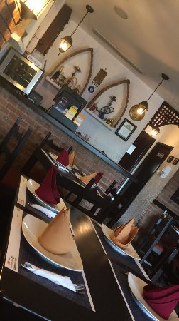 La Taberna Libanesa: The food is super nice and the service is super good u should try this Arabic restaurants