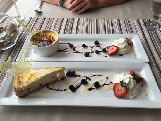 Waterside, Kanada: Dessert at the Cafe at Cape Enrage