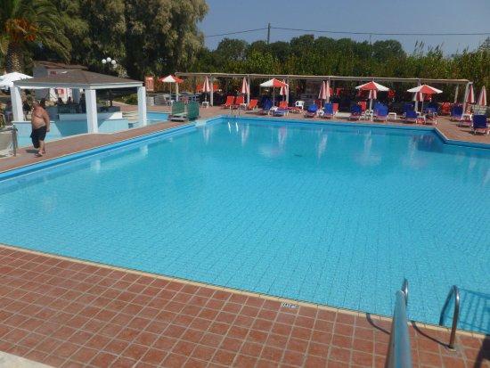 Gambar Santa Marina Beach Hotel