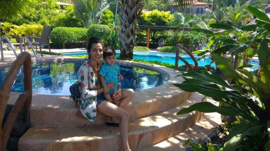 Mar de Jade Retreats Wellness Vacation: Tiene mucha vegetacion lo que hace una vista hermosa