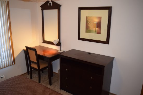 Countryside Corporate Apartments: Second Bedroom