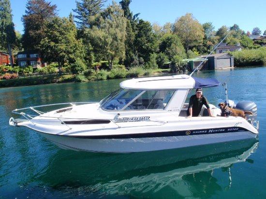 Ταούπο, Νέα Ζηλανδία: MAVERICK boat charters