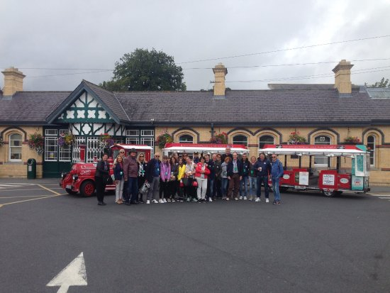 Malahide, Ierland: every train we meet brings its own rewards..
