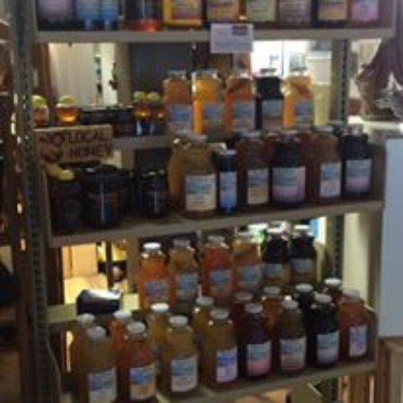 Summerland, كندا: Westbank Harvest Juices.
