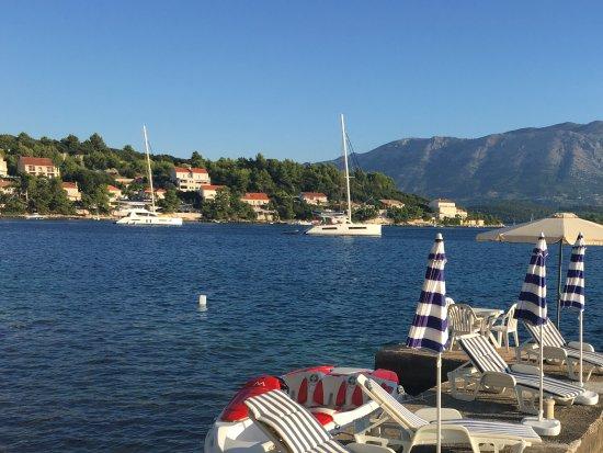 Lumbarda, Croatia: Water activities at the bottom of the garden, free use of kayaks, moorings available