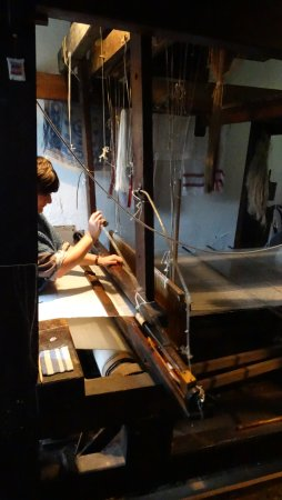 Holywood, UK: Linen weaving