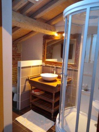Lavaur, فرنسا: SDB de la chambre 3 personnes