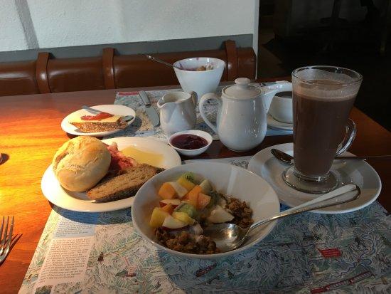 Hauser Hotel St. Moritz: Breakfast, mmmmm.