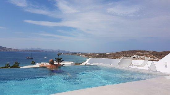 Paros Agnanti Resort: private infinity pool