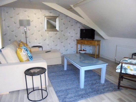 Bradford-on-Avon, UK: lounge Rosemary suite