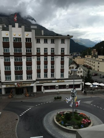 Hauser Hotel St. Moritz: We arrived on a beautiful cloudy day.