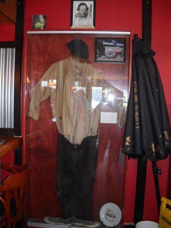 Gibsons, Canada: Relic's outfit