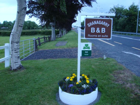 Shanagarry B&B: B & B Sign.