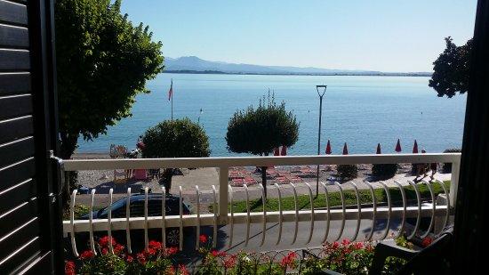 Hotel Riviera : svegliarsi con questa vista sul lago e' oltremodo incantevole.