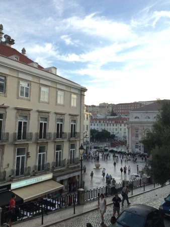 Lisbon Story Guesthouse: View of Rossio Square from Room