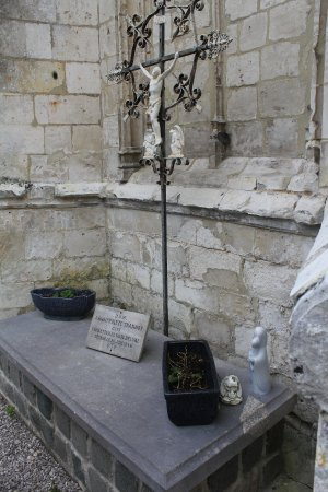 Pas-de-Calais, France : tombe de l'abbé Hippolite Trannoy fondateur