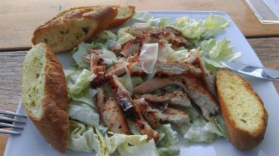 Sokolniki, Polen: Salatka ala Chicken Cesar