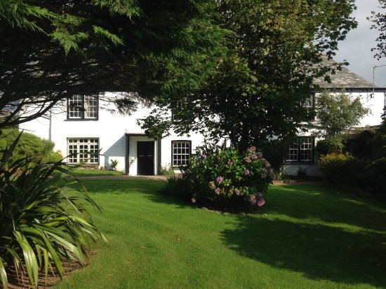 Morwenstow, UK: safe, secure rear garden to the manor