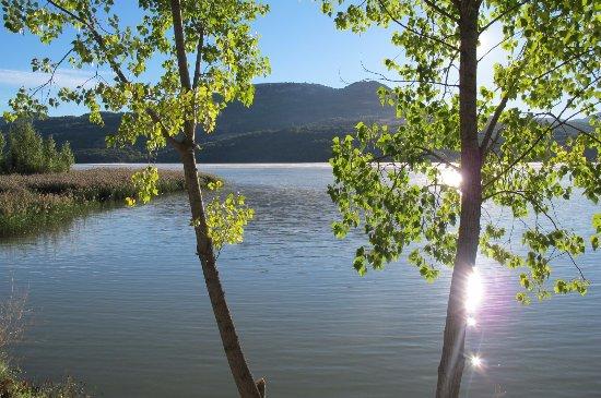 Cellers, Испания: Paseo al lado del Lago Terradets
