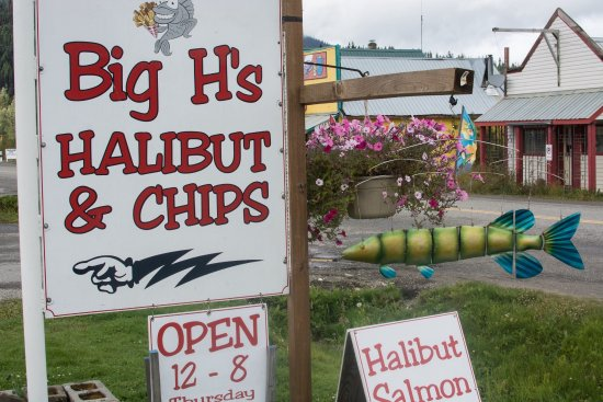 Wells, Canada: Big H's sign