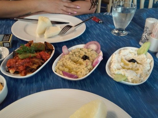 Mavi Yengec: Meze: fresh and tasty