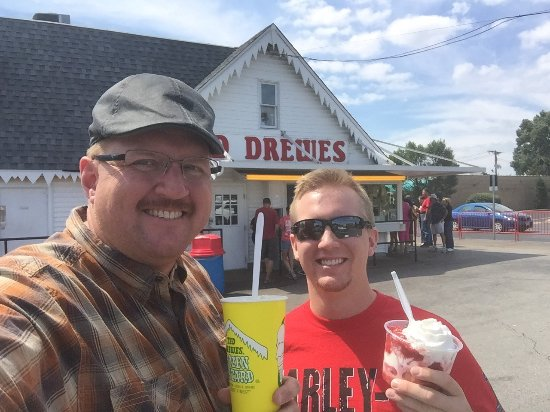 Ted Drew's Frozen Custard: Ted Drewes is a St Louis icon for Frozen Custard