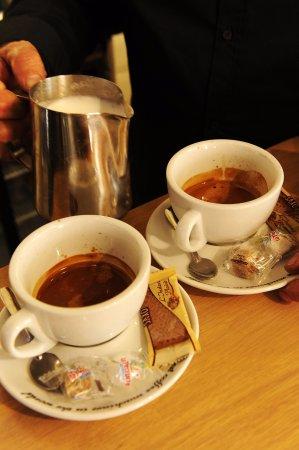 Cleguerec, ฝรั่งเศส: Our cafe interior