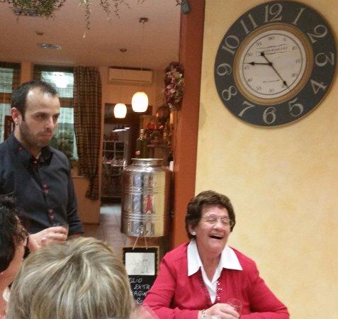 Eupen, Belgique : A la Botega, Maman, 91 ans et toujours de bonne humeur.