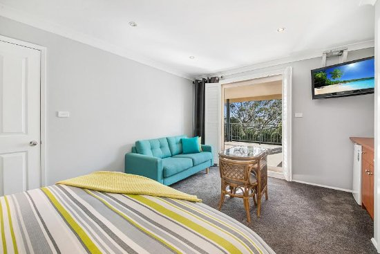 Wamberal, Australia: Valley View Room - Flat Screen TV Includes Foxtel & Free Wi-Fi