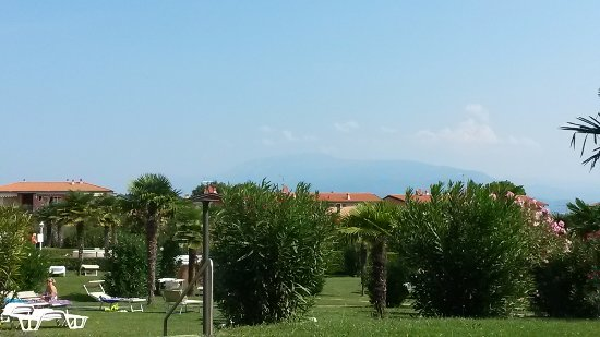 Residence Apparthotel San Sivino: View from terrace overlooking grounds