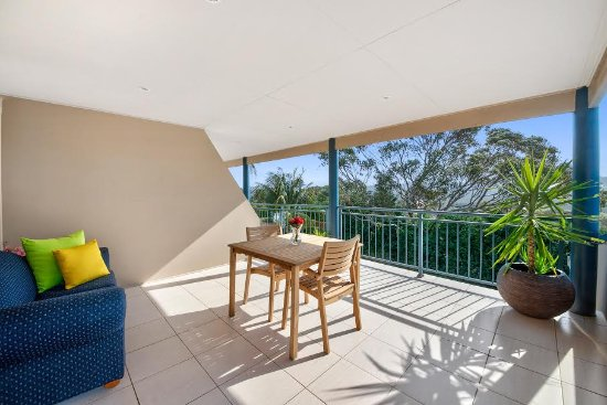 Wamberal, Australien: Valley View Balcony - Tumbi Umbi Mountain Views