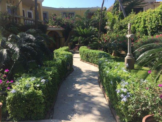 El Encanto Inn & Suites Boutique Hotel: El Encanto Inn Courtyard