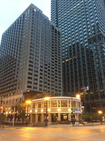 르네상스 시카고 호텔 사진