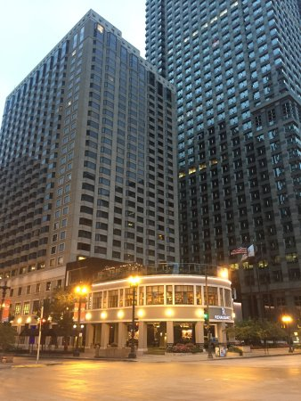 Renaissance Chicago Downtown Hotel: photo0.jpg