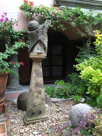 Casa Rosada Hotel: Lush landscape