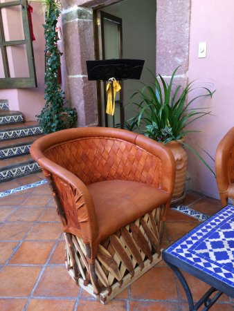 Casa Rosada Hotel: Lovely seating area in courtyard