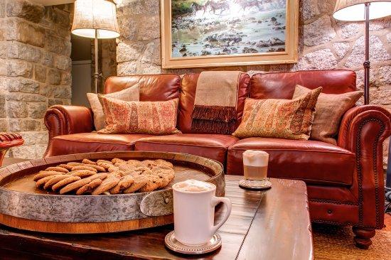 Alta, UT: Grab an apres ski snack at the Snowpine Lodge