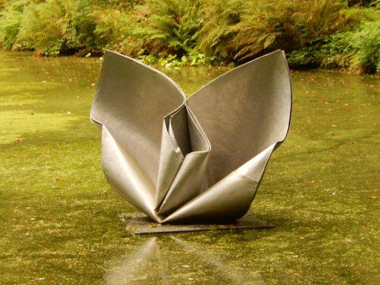 Muddiford, UK: Sculpture at Broomhill