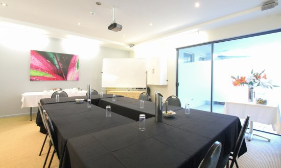 Caloundra Central Apartment Hotel: Meeting and Events room has a capacity of 20 delegates