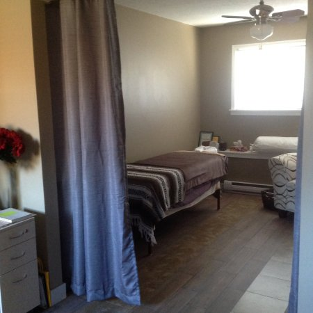 Nanaimo, Kanada: Aromatherapy Massage, Lymphatic Massage, Reflexology, Ion Cleanse, etc.
