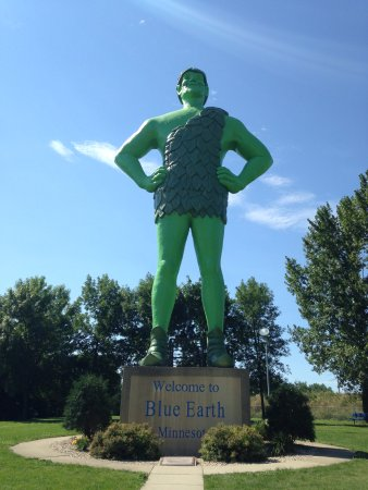 Blue Earth, MN: The big green guy